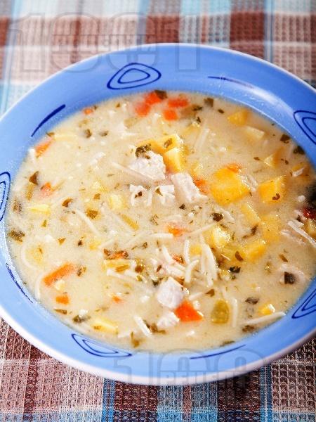 Пилешка супа с картофи - снимка на рецептата